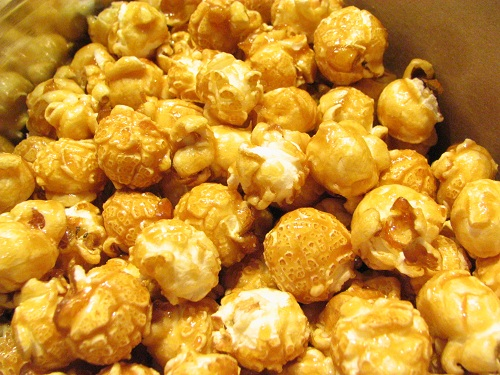 fresh caramel corn