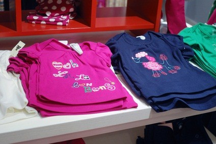 girl's clothes in  mall