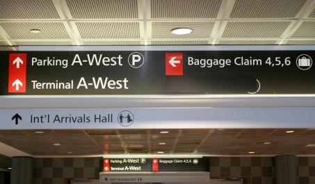 Philadelphia International Airport parking and baggage claim information