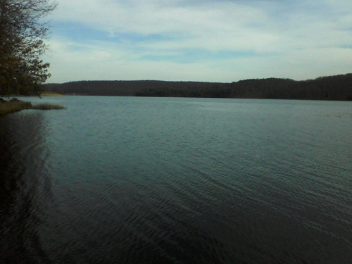 state park in Pennsylvania blue water lake and mountains