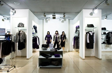 PA mall store with womens clothing and accessories