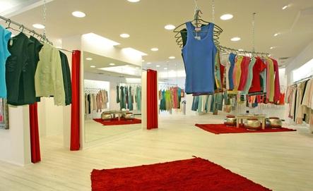 mall women's shop